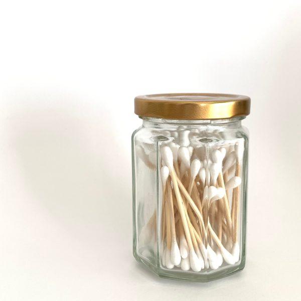 ボトルに入った竹のバンブー綿棒